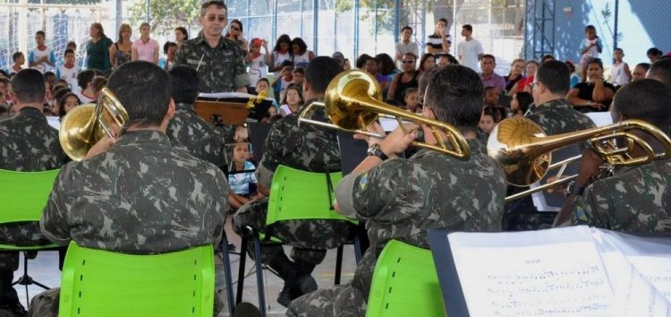 Escola Municipal recebe o Projeto Banda na Escola