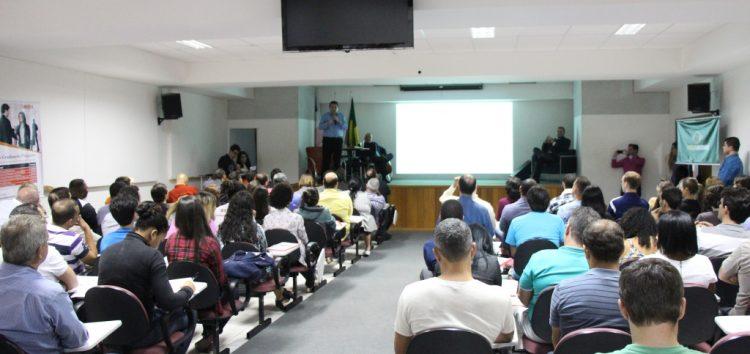 Conferência discute Brasil em tempos de crise