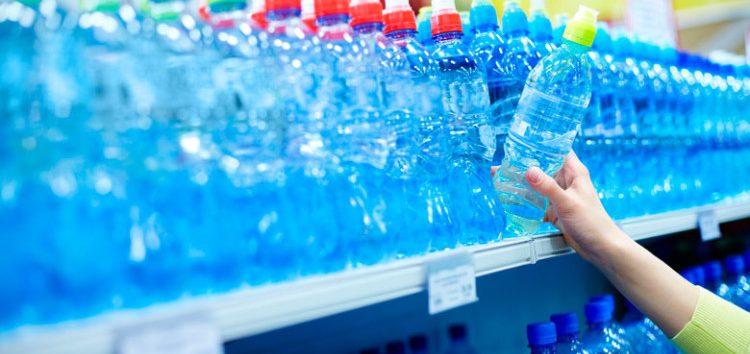 OAB-Guarapari coleta doações de água mineral para cidades afetadas pela lama