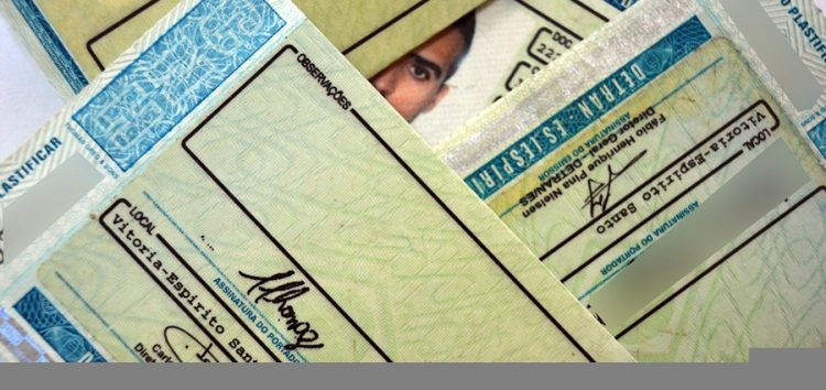 Pontuação e bloqueio da carteira de motorista agora podem ser enviados por mensagens