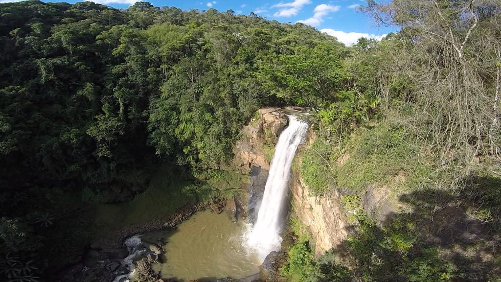 Localizada em Matilde, a Cachoeira Engenheiro Reeve é a maior queda d'água do Estado: 65 metros.