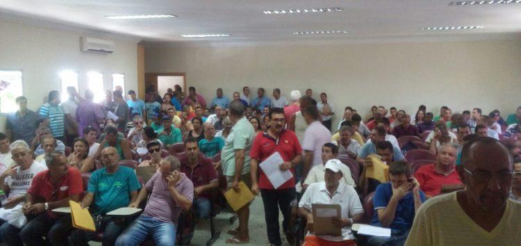 Mais de 200 taxistas participaram da concorrência pública municipal