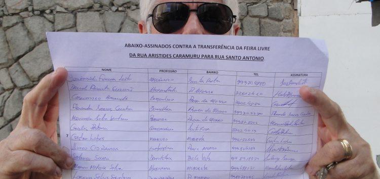Feirantes fazem abaixo-assinado contra mudança da Feira de Muquiçaba