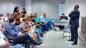 Representantes dos moradores criticaram a assinatura de contrato para a construção da Rodoshopping