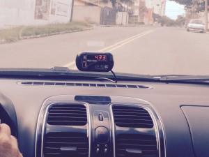 Alguns motoristas estão escondendo o taxímetro dos passageiros.