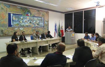 Câmara abre duas comissões para investigar contrato da rodoviária e compra de terrenos