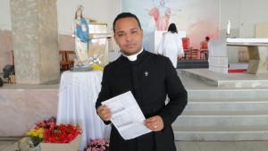 PADRE Gudialace, administrador da paróquia Nossa Senhora da Conceição.