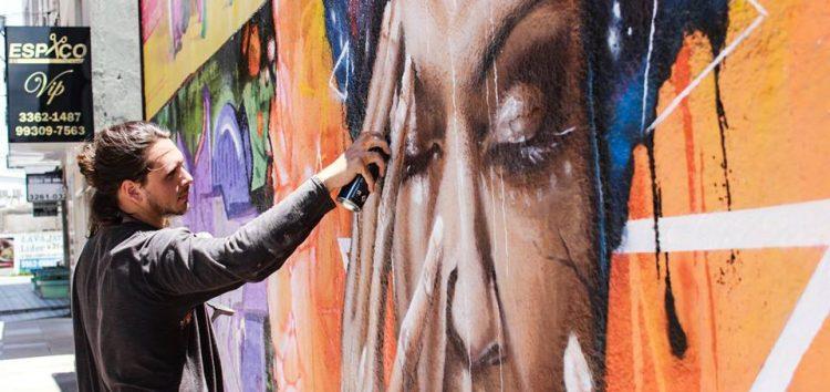 Liam Bononi arrecada R$ 7 mil e vai participar do evento de grafite na Dinamarca
