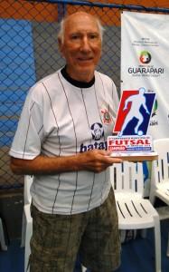 paulista com trofeu