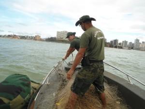 apreensão rede de pesca