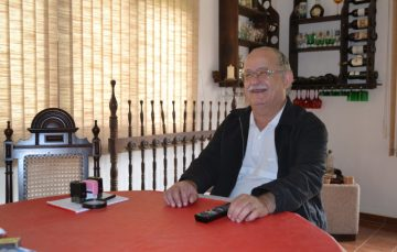 Prefeito de Alfredo Chaves vai a Brasília participar de seminário
