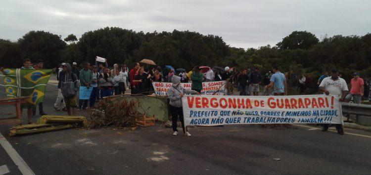 Protesto contra mudança no itinerário do Transcol fecha Rodovia do Sol