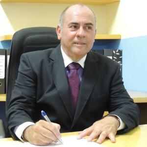 Prefeito de Alfredo Chaves abre mão do salário e prefeitura vai economizar R$ 320 mil até dezembro.