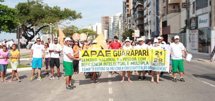 Caminhada da Apae abre Semana da Pessoa com Deficiência