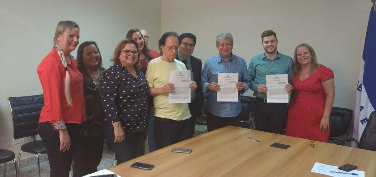 Empresa e prefeitura assinam contrato de concessão do transporte coletivo