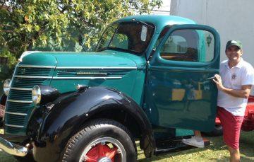 Exposição reuniu 132 carros antigos e muitas histórias para contar