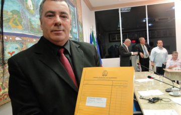 Denúncia pede afastamento de Wanderlei da presidência da Câmara