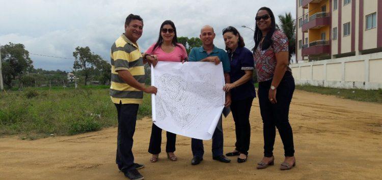 Moradores de Meaípe e Condados ganham quadra de areia na Praça das Roseiras