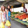 Feira em Santa Mônica é frequentada por moradores como espaço de lazer