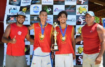 Caio e Gabriel vencem o 1º Torneio Salvamar de FuteVôlei em Guarapari