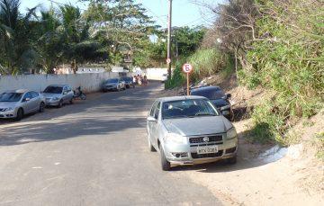 Motoristas não respeitam a sinalização e atrapalham o trânsito nas praias de Guarapari