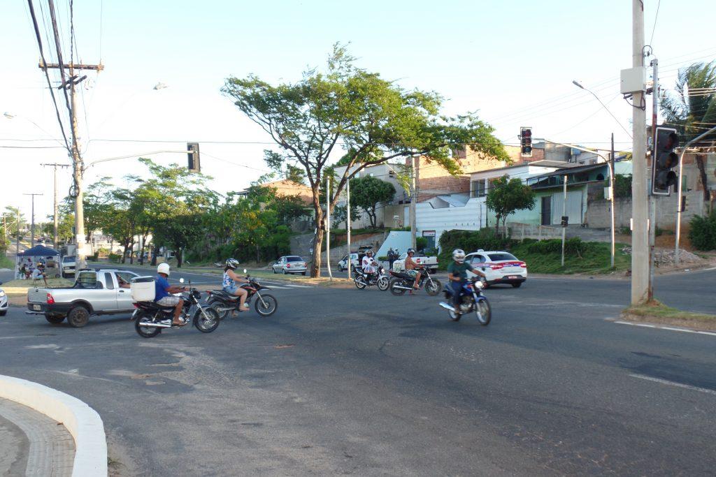 Sem os semáforos, o risco de acidentes é constante. Foto: João Thomazelli/Folha da Cidade
