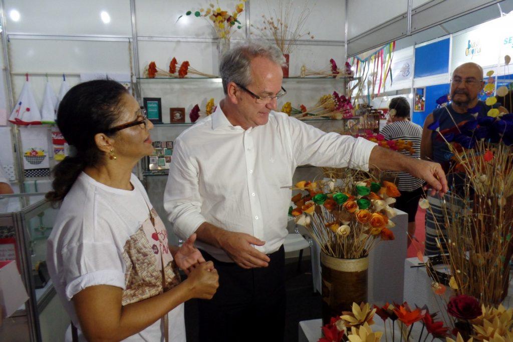O vice-governador visitou alguns estandes e conversou com os expositores. Foto: João Thomazelli/Folha da Cidade