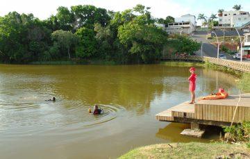 Bombeiros encontram corpo de homem que se afogou em lagoa de Guarapari