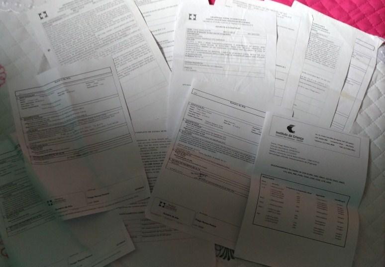 Alguns resultados de exames realizados em São Paulo, sem diagnóstico preciso. Foto: Gabriely Sant'Ana.