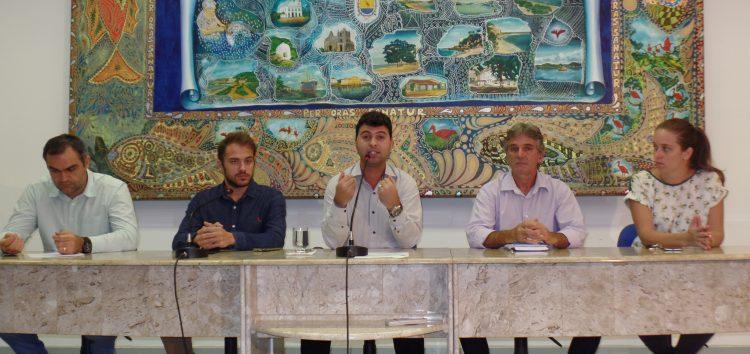 Câmara de Guarapari se reune com jornalistas para apresentar projetos da nova gestão