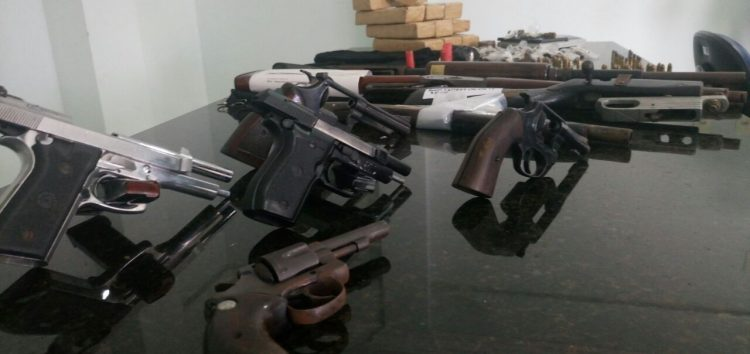 Deputados aprovam bônus para PM que apreender armas