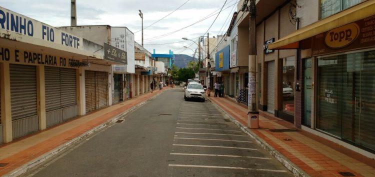 Com medo dos assaltos, comércio fecha as portas em Guarapari