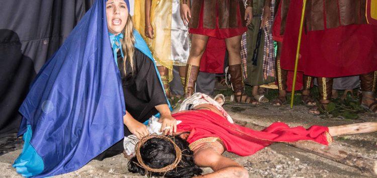 Teatro da Paixão de Cristo em Santa Mônica vira tradição da Semana Santa em Guarapari