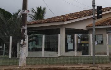 Unidade de Saúde de Perocão: esgoto na rua e prejuízo para comerciantes