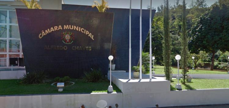 Vereadores de Alfredo Chaves querem receber 13º Salário