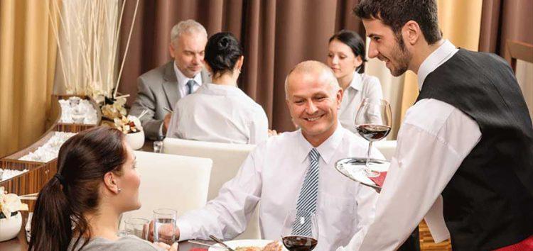 Curso gratuito sobre relacionamento com clientes para empresários do setor gastronômico