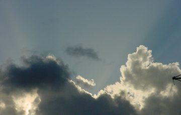 Céu nublado e chuva fraca no primeiro dia de inverno em Guarapari