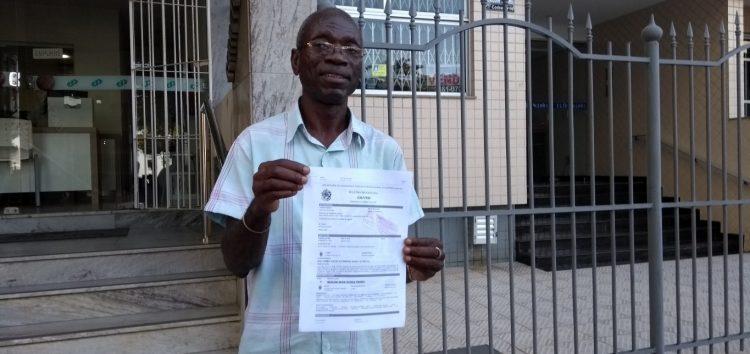 Padre é rendido na porta da igreja e tem veículo roubado em Guarapari