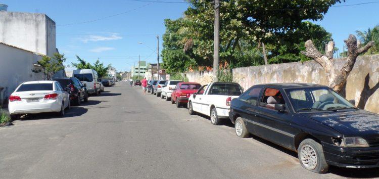Moradores com medo dos roubos de peças de carro no entorno da delegacia de Guarapari