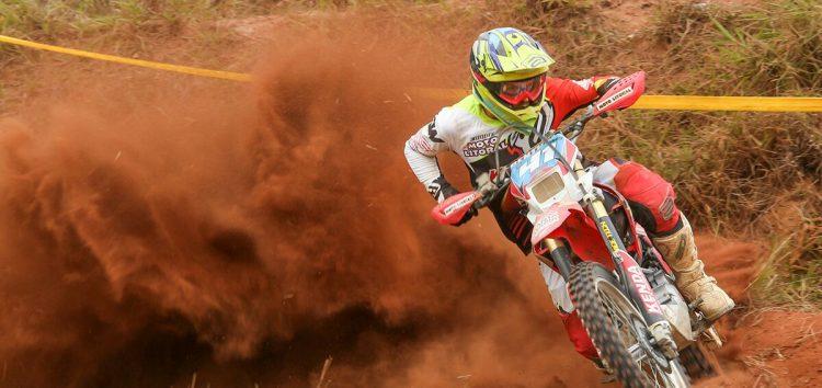 """Motocross e adrenalina na 1ª etapa do Enduro Fim """"Circuito Ferradura"""" em Buenos Aires"""