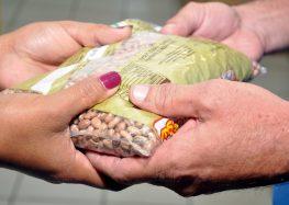 Coronavírus: Igreja católica de Guarapari arrecada alimentos para famílias carentes
