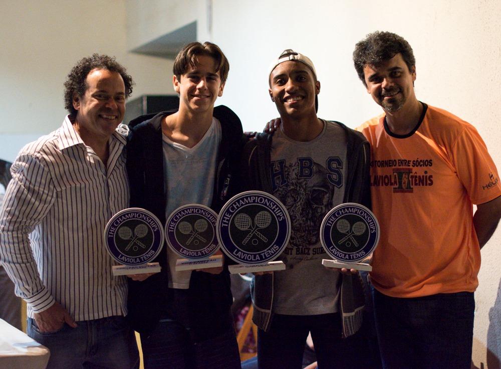 11516642810 Os jovens Lucas Laviola e Kevin Barbosa que se destacaram no torneio