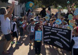 Escola em Anchieta realiza passeata para destacar a importância da água