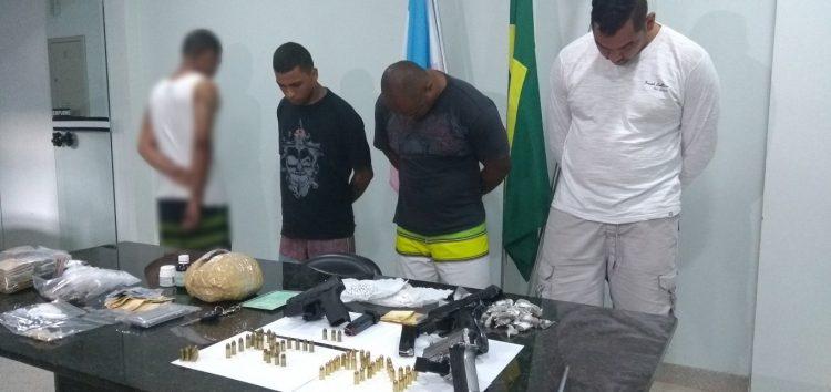 Operação contra grupos de traficantes rivais apreende drogas, armas e prende quatro em Guarapari