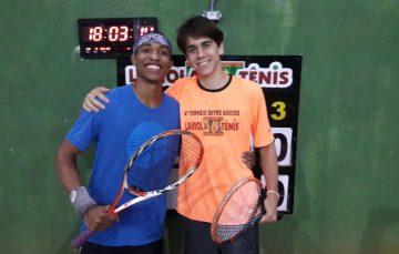 Jovens de Guarapari se destacam na final do 4º Torneiro Laviola Tênis