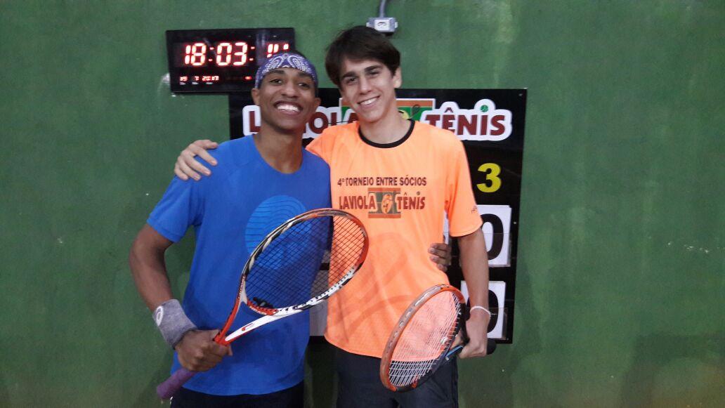 0db5b6844ab Jovens de Guarapari se destacam na final do 4º Torneiro Laviola Tênis –  FolhaOnline.es – Notícias de Guarapari