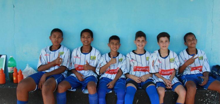 Atletas de Guarapari passam por peneira de time catarinense