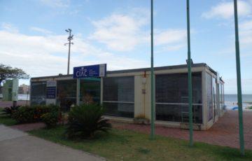 Prefeitura não faz manutenção e PM abandona Ciac na Praia do Morro