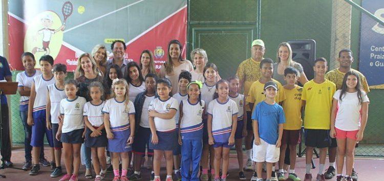 Projeto social vai ensinar crianças da rede municipal a prática do Tênis
