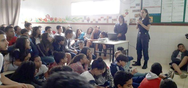 Guarda Municipal desenvolve projeto sobre drogas nas escolas de Anchieta